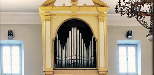 Tisno, Župna crkva sv. Duha
