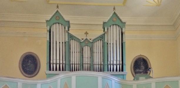 Zlarin, Župna crkva Uznesenja Bl. D. Marije