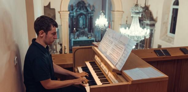 Tribunj, Tomislav Krobot, orgulje